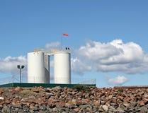Réservoirs de carburant avec des aigles Photographie stock