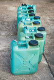 Réservoirs de carburant en plastique verts Image libre de droits