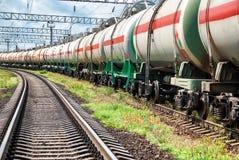 Réservoirs de chemin de fer avec de l'huile Photographie stock libre de droits