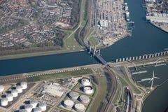 Réservoirs de stockage de pétrole d'Europoort Photos libres de droits