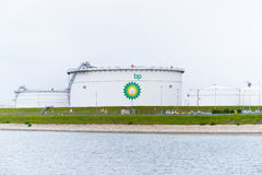 Réservoirs de stockage de pétrole de BP Photo libre de droits