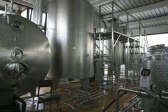 Réservoirs de stockage liquides industriels Photo libre de droits