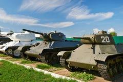 Réservoirs moyens soviétiques de la deuxième guerre mondiale Images stock