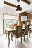 Résidence élégante avec les meubles élégants images stock