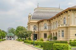 Résidence Phra Thinang Boromphiman dans le palais grand à Bangkok images libres de droits