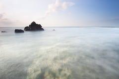 Résumé de la belle plage dans Bali, Indonésie Image stock
