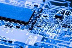 Résumé, fin aux circuits électroniques, nous voyons la technologie du mainboard, qui est le fond important du comput image stock
