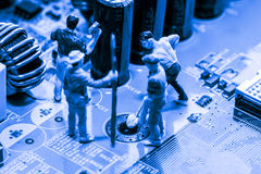 Résumé, fin aux circuits électroniques, nous voyons la technologie du mainboard, qui est le fond important du comput images stock