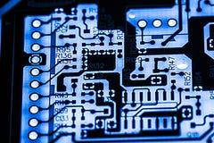 Résumé, fin des circuits électroniques en technologie sur le fond d'ordinateur de Mainboard photographie stock