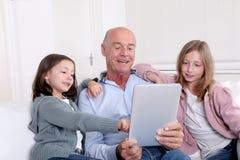 Rétablissement et technologie aînés Image stock
