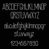 Rétro alphabet de police de craie sur le tableau noir Image libre de droits