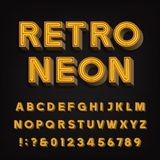 Rétro alphabet de signe lettres et nombres au néon du vintage 3D Police d'enseigne Image libre de droits