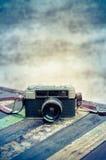 Rétro appareil-photo Photographie stock libre de droits