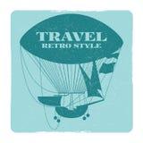 Rétro bannière de voyage de style avec la silhouette chaude de ballon à air Photos stock