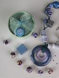 Rétro boîte, collier et perles Photos stock