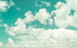 Rétro ciel et nuages Photographie stock libre de droits