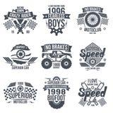 Rétro course de vintage d'emblèmes et voitures superbes Photos stock