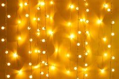 Rétro décor brouillé d'ampoule rougeoyant pour le fond abstrait Images libres de droits
