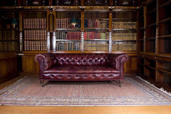 Rétro divan en cuir Images libres de droits