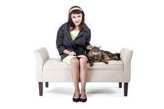Rétro fille avec un chat Photos stock