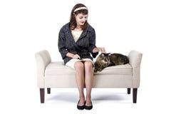 Rétro fille avec un chat Photos libres de droits