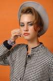 Rétro fille dans la cuvette grise Photographie stock