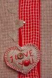 Rétro fond d'art avec des coeurs de tissu pour ou la conception Photos stock