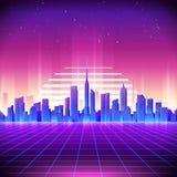 rétro fond de la science fiction 80s avec l'horizon de ville de nuit Photos stock
