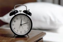Rétro horloge d'alarme de type Photographie stock