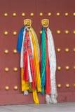 Rétro image de voyage de style de hippie de vintage des poignées de porte sur des portes photos stock