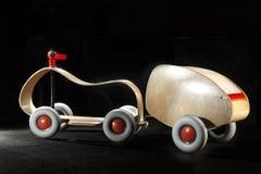 Rétro jouet en bois de voiture Photo stock