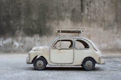 RÉTRO modèle classique de voiture Image libre de droits