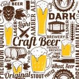 Rétro modèle sans couture dénommé ou backgro de bière typographique de vecteur illustration de vecteur