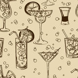 Rétro modèle sans couture des cocktails illustration stock