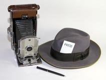 Rétro outils de photographe de presse des vieilles années 50 photographie stock libre de droits