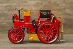 Rétro pompe à incendie Photo stock