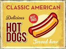 Rétro signe grunge en métal avec le hot dog Aliments de préparation rapide américains classiques Affiche de vintage avec le hot-d Photo libre de droits