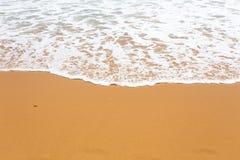 Rétro style de vague tropicale de plage photographie stock