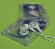 Rétro technologie Cassette sonore transparente en plastique et blanc photographie stock