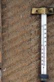 Rétro thermomètre en verre d'outil Image libre de droits