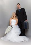 Rétro tir de studio de jeunes mariés de ménages mariés Photo stock