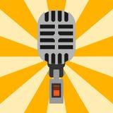 Rétro type musique de microphone d'entrevue de vecteur de journaliste d'icône annonçant l'outil vocal de l'outil TV Photographie stock libre de droits