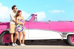Rétro véhicule de couples et de cru Photos libres de droits
