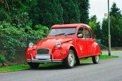 Rétro véhicule rouge classique Photos libres de droits