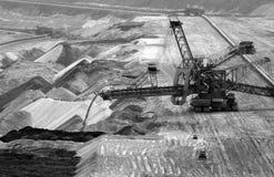 Rétrochargeur dans la mine à ciel ouvert Photo stock