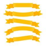 Rétros bannières de ruban à disposition dessinées gravant le vecteur de style illustration libre de droits