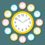 Rétros horloges de vecteur montrant chacune des 12 heures Image libre de droits