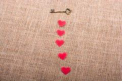 Rétros objets dénommés de formes de clé et de coeur Photo libre de droits