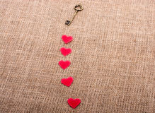 Rétros objets dénommés de formes de clé et de coeur Photographie stock