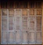 Rétros portes de pliage thaïlandaises de style images libres de droits